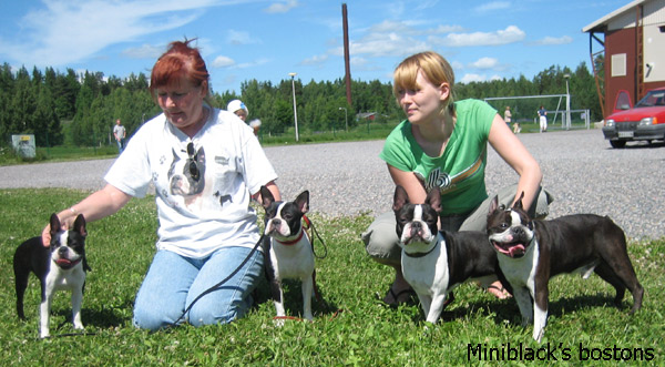 Family portrait: Sissi with her mother ~  Niilo father & Immu son